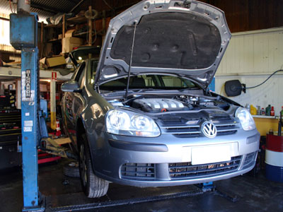 2006 Golf 2L TDi in for a factory scheduled service
